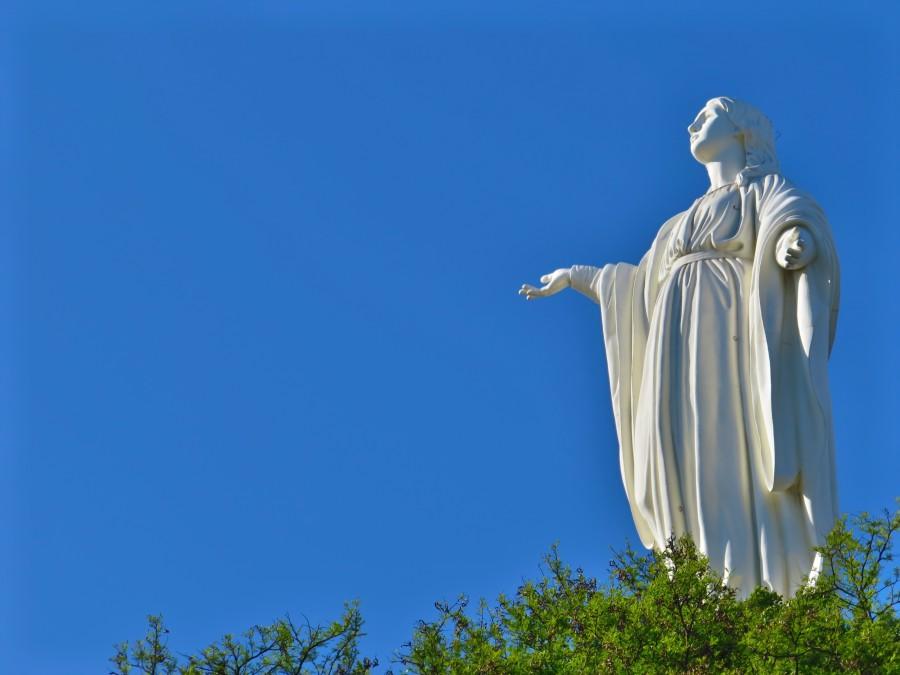 virgen, maria, estatua, cerro, san cristobal, santiago de chile, chile, america latina, america, religion, cielo azul,