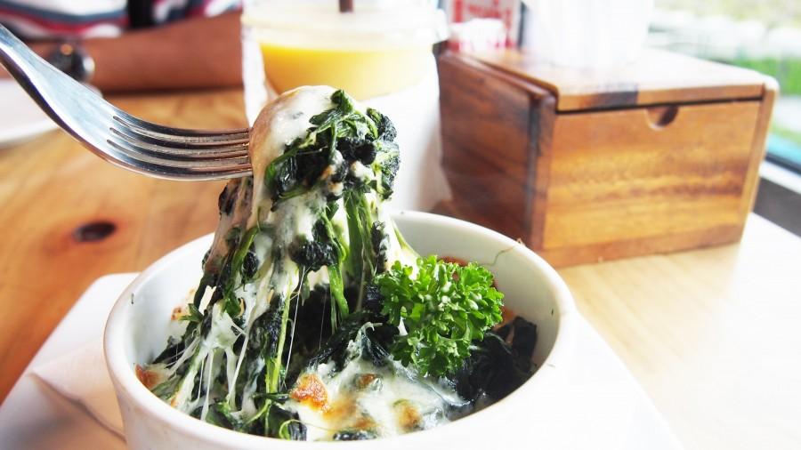 comida, bowl, verdura, vegetales, verde, acelga, queso, espicana, saludable, almuerzo, cena,interior, dia, tenedor, comer, comida,