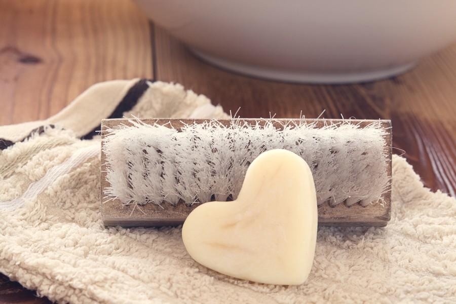 corazon, amor, jabon, interior, baño, cepillo, toalla, accesorios, nadie, decoracion,