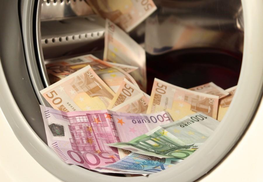 euro, euros, economia, finanza, finanzas, concepto, lavado, lavar, dinero, corrupto, corrupcion, coima, sucio, billete, billetes, dudoso, delito, fuga,