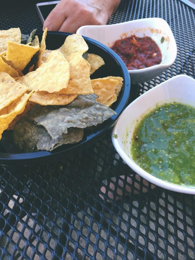 comida mexicana, comida, mexico, nachos, guacamole, salsa picante, pico de gallo
