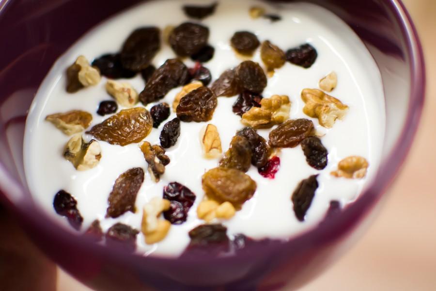 yogurt, pasas, comida, desayuno, nuez, nueces, frutos secos, taza, primer plano, detalle, alimento, saludable, yogur,