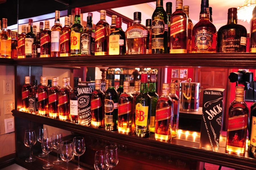 bar, interior, bebidas,barra, interior, noche, licor, alcoholico, botellas,