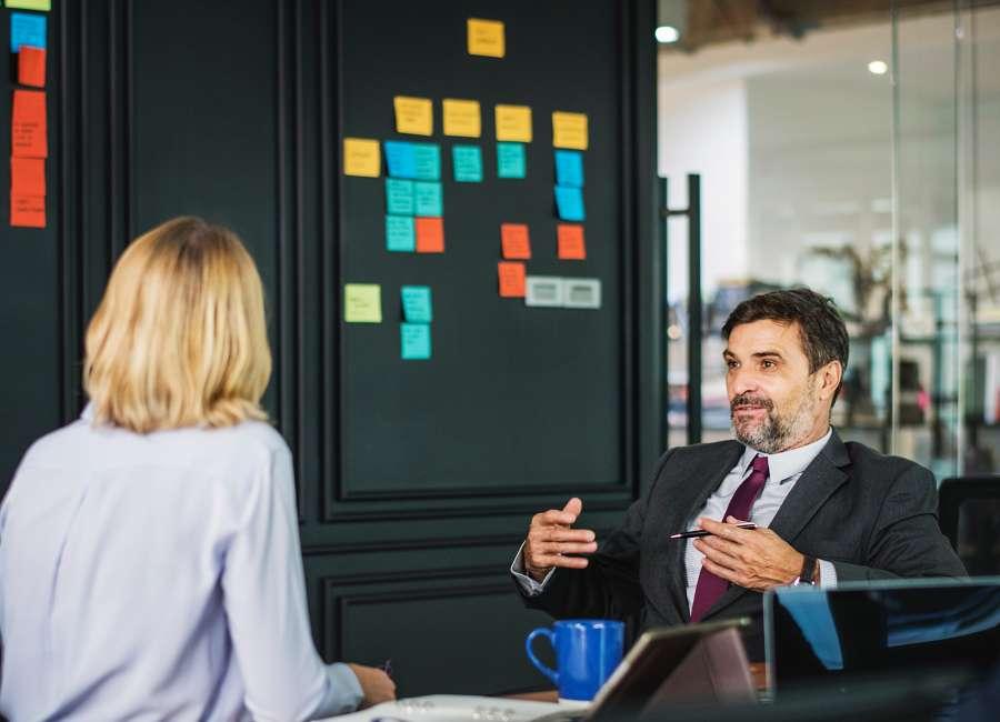 grupo de trabajo, grupo, trabajo, reunion, dos personas, interior, oficina, negocios, estrategia, charla, formal, planificacion, concepto,