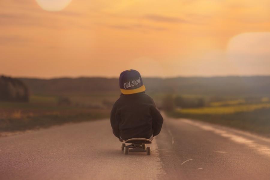 niño, skate, atardecer, diversion, niñez, camino, asfalto, concepto, divertido, juego, jugar, jugando, ruta,