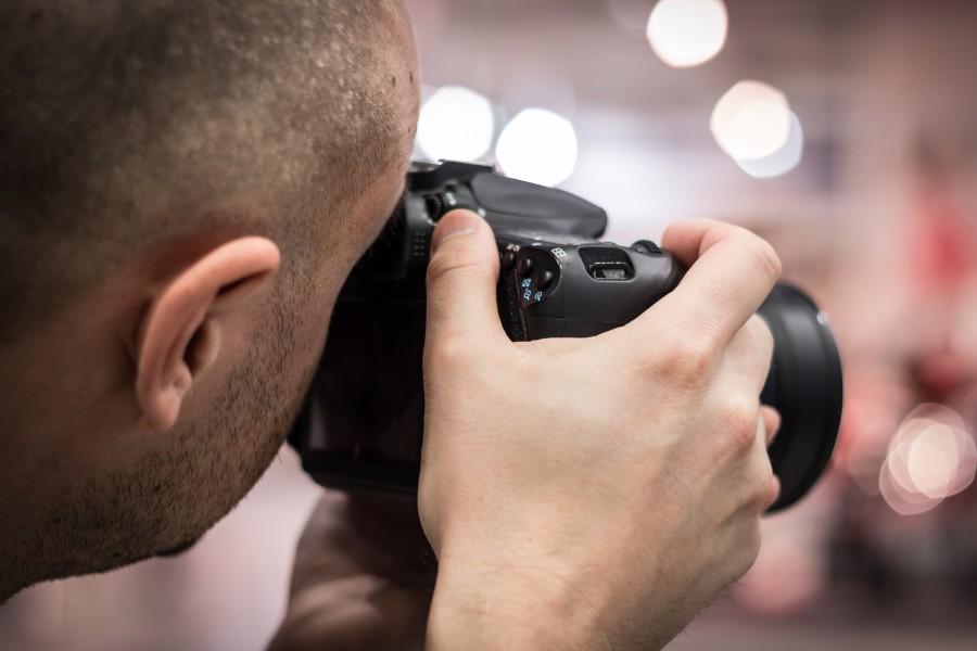 una persona, gente, hombre, joven, 20 años, 30 años, fotografo, camara, fotografia, actividad,