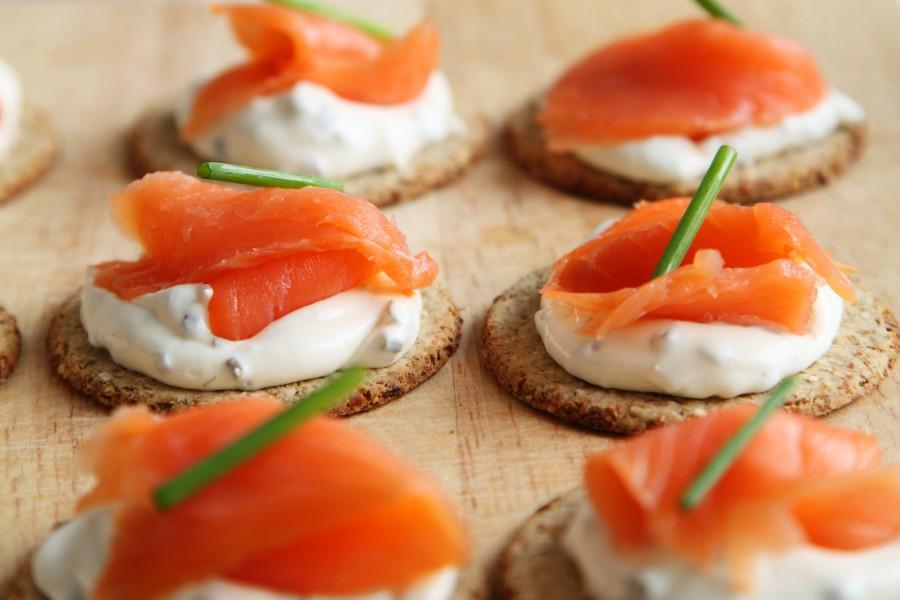 aperitivo, canapé, canapés, queso, galleta, cocina, deliciosa, cena, peces, los alimentos, fresco, gourmet, comida, carne, primas, salmón, mariscos, ahumado, merienda