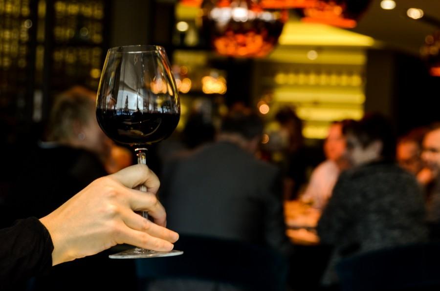 copa de vino, bar, gente, interior, vino, bebida, nocturno,