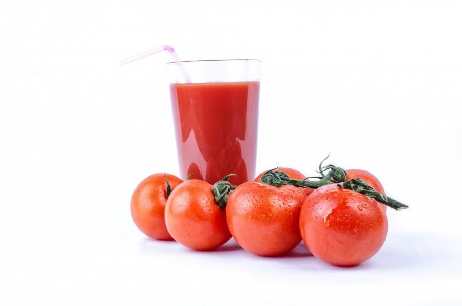tomate, vidrio, blanco, comida, dieta, bocado, temporada, alta cocina, nutricion, cocina, comida, comestible, crudo, aislado, vegetariano, maduro, natural, rojo, organico, bebida, batido de frutas, verduras, sano, la gastronomia, la vitamina, bebidas, jugo, ingrediente, fresco, lleno, parte