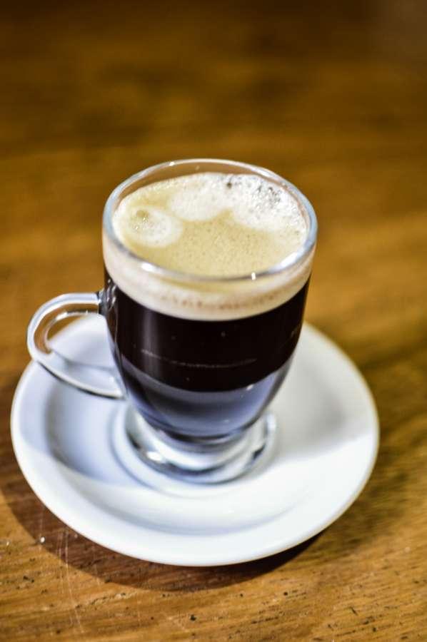 aroma, bar, bebida, negro, mezcla, desenfoque, borrosa, desayuno, elaboración de la cerveza, marrón, café, cafeína, caffine, capuchino, capuchino, capuccino, capuchino, capucino, primer plano, café, café, café, taza, oscuro, detalle, bebida, energía, espreso,