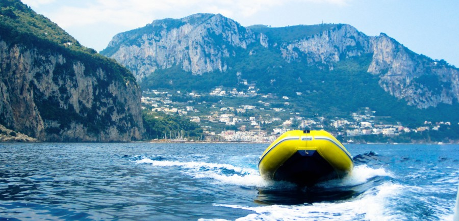Nápoles, Napoli, Oceano, Stokpic, Transporte, Agua, barco, isla, italia, puerto deportivo, mar, lancha rápida, viajes, gomon, lancha, europa,