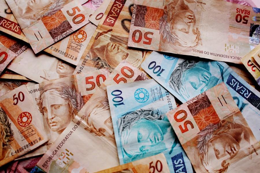 real, reales, brasil, dinero, billete, monedas, finanzas, brasilero, fondo, background, cien, cincuenta, 50, 100,