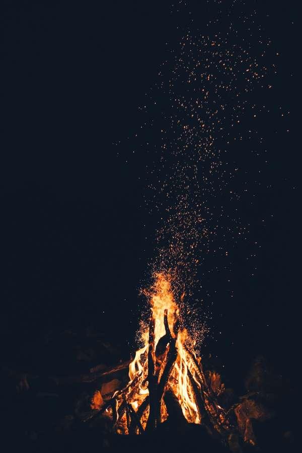 fogata, fuego, chispas, noche, exterior, fogon, madera, caliente,