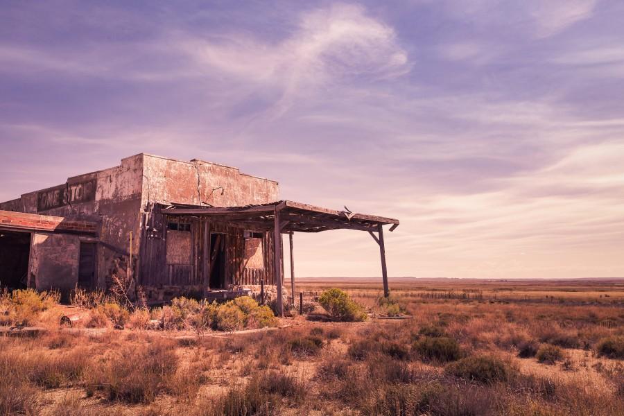 casa, desierto, abandonado, paso del tiempo, nadie, viejo, descuidado, viejo, soledad,