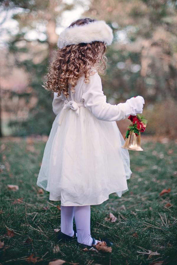 navidad, detalle, adorno, navideño, navideña, decoracion, celebracion, 2015, festejo, una persona, gente, niña, 5 años, vestido,