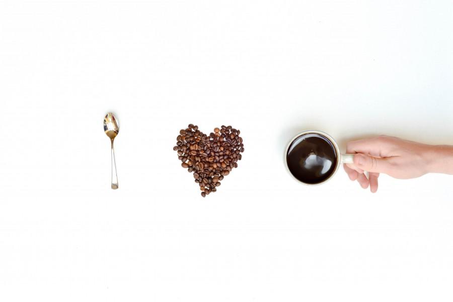 Cafe, Concepto, Ed Gregory, libre, Fondo Blanco, frijoles, marron, negocio, cafe, bebida, diversion, mano, amor, varon, por la mañana, restaurante, cuchara, desayuno, corazon, cocina, gourmet,
