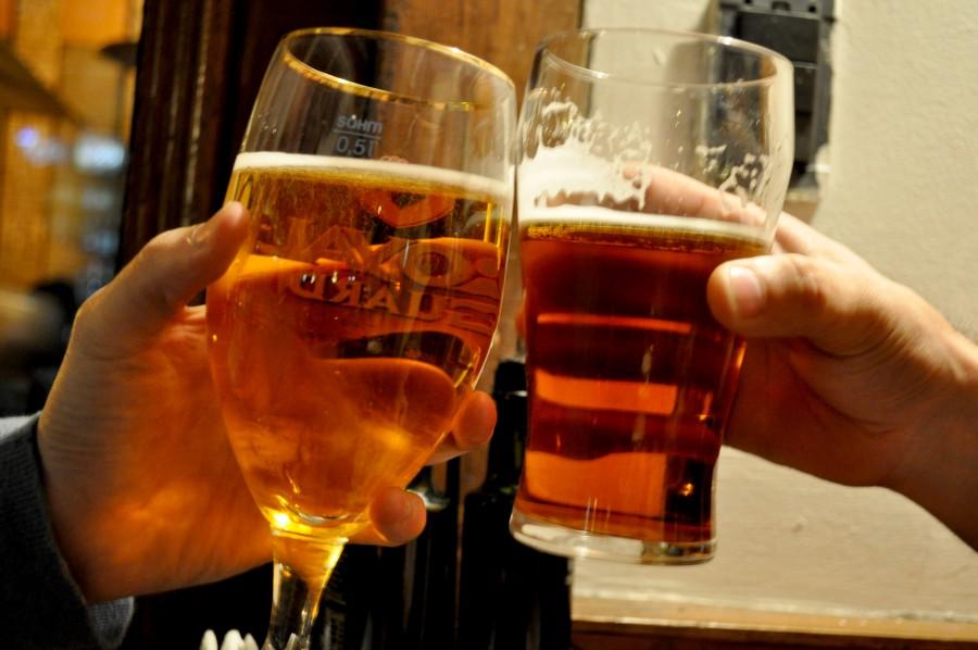 Imagen de cerveza foto gratis 100007703 for Copas y vasos para bar