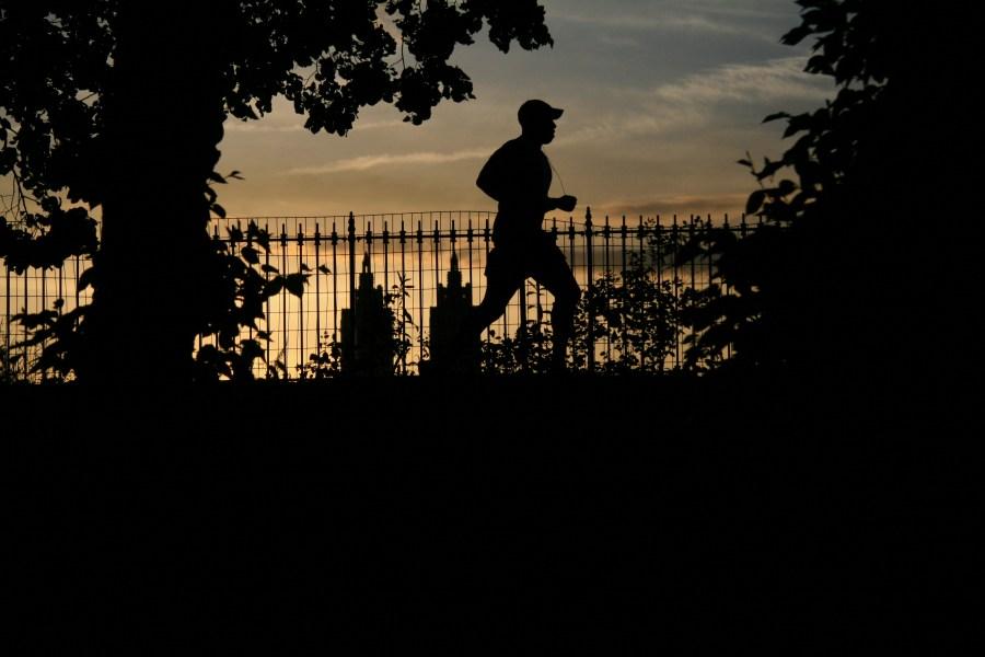 Running,correr,corriendo,deporte,una persona,hombre,exterior,sano,salud,primer plano