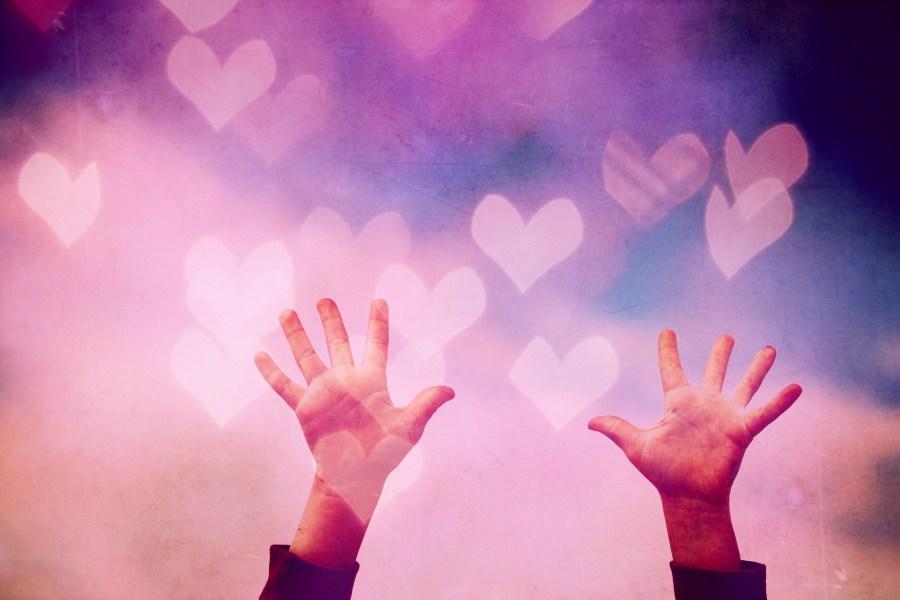 Amor,fondo,background,Corazon,corazon rojo,rosa,corazones,textura,concepto,Manos,mano,brazo,hombre