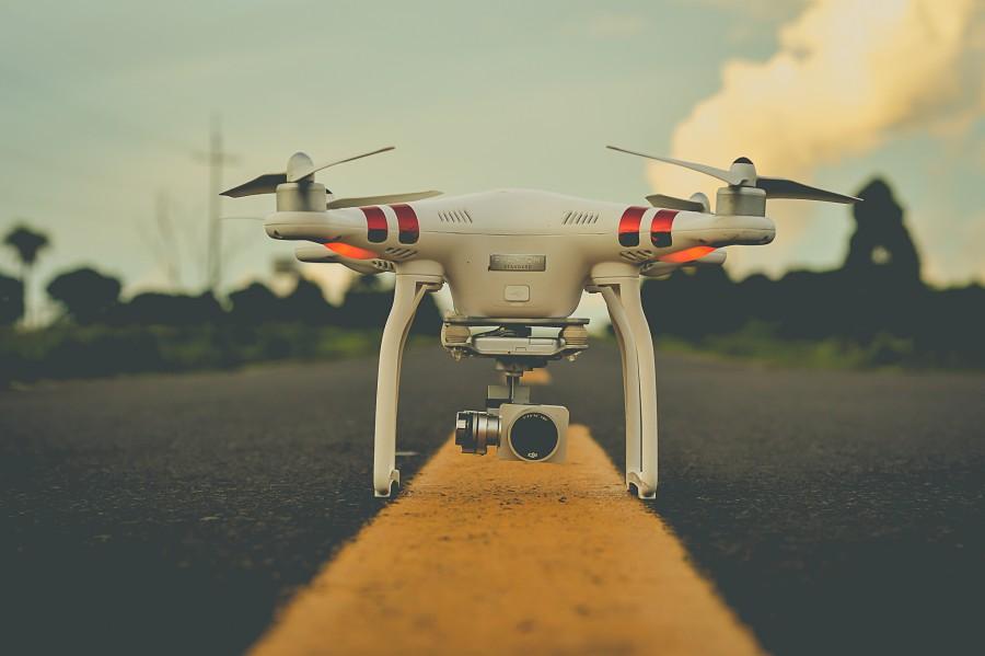 drone, primer plano, camara, camino, asfalto, camara digital, tecnología, espía, seguridad, foco en primer plano, foco puntual