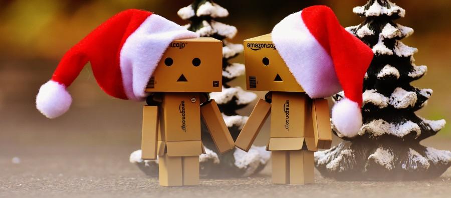 danbo, navidad, figura, juntos, en la mano, amor, el amor, unión, para dos personas, gracioso, cifras, amistad, día de san valentín, conectividad, dulce, sombrero de santa, la navidad, abetos, la nieve, lindo, advenimiento, contemplativo, contemplación, festival, banner, regalos, enviar, paquetes, hecho