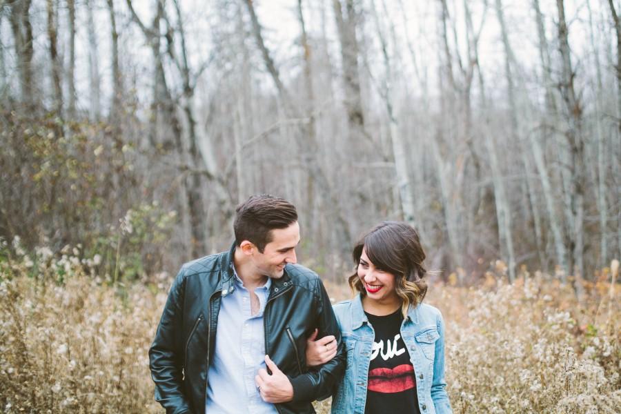 pareja, joven, dos personas, amor, 20 años, 30 años, bosque, aire libre, actividad, risa, sonrisa, alegria, gente,