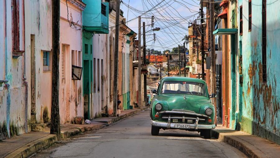 cuba, cielo azul, calle, arquitectura, urbano, ciudad, cubano, habana, auto, carro, antiguo, verde, nadie,