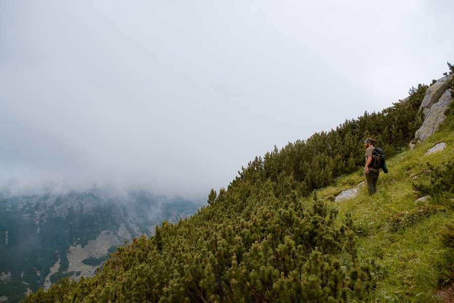 paisaje, montaña, viaje, exterior, dia, hombre, aventura, vacaciones, nubes, nublado, naturaleza,