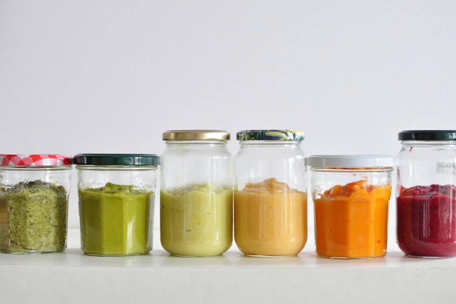 frasco, frascos, mayonesa, color, colores, mix, mixado, especia, especias, sabor, comida, vista de frente, vidrio, recipiente, envase, envasado, casero, cocina,