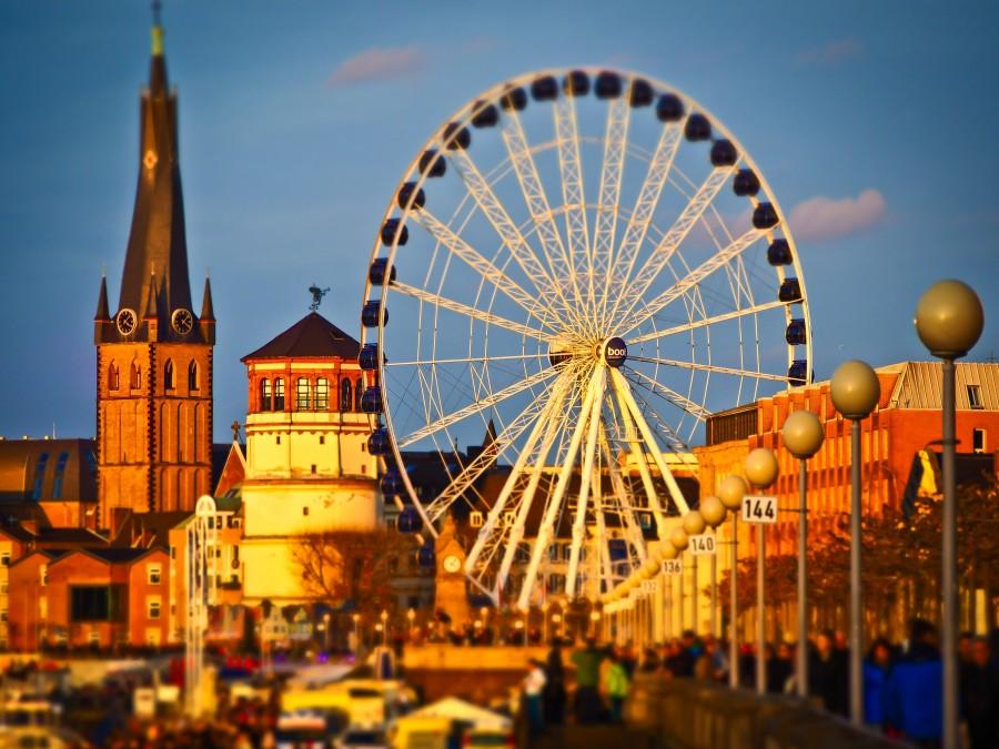 Dusseldorf, Rin, Rio, ciudad, torre, castillo, noria, iglesia, ciudad, efecto miniatura, abenddämerung, urbano, Parque de diversiones, rueda,