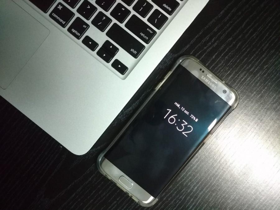organizador, oficina, escritorio, espacio de trabajo, lugar de trabajo, móvil, teléfono, teclado, lápiz, minimalista, mínimo, negocio, tecnología, teléfono inteligente, negro, ordenador, Samsung, borde