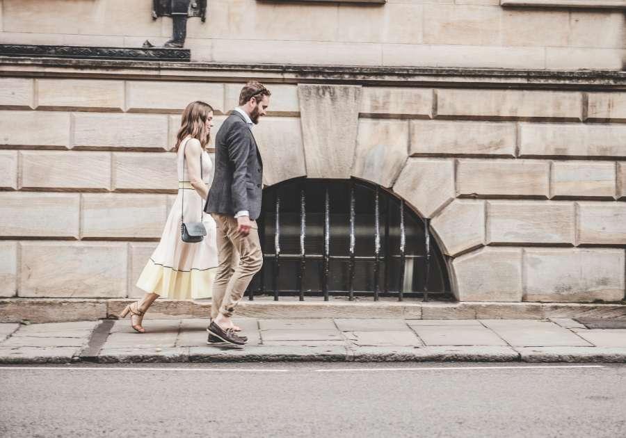 pareja, adulto, caminar, caminando, joven, exterior, ciudad, urbano, calle,