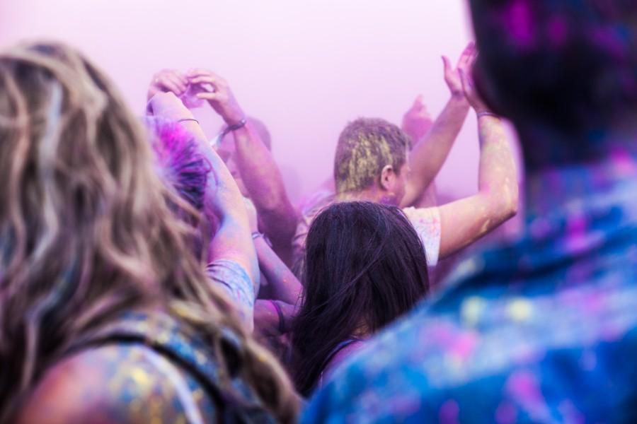 gente, fiesta, festejo, noche, bar, disco, pub, musica, alegria, celebracion, adultos, pintura, rave,