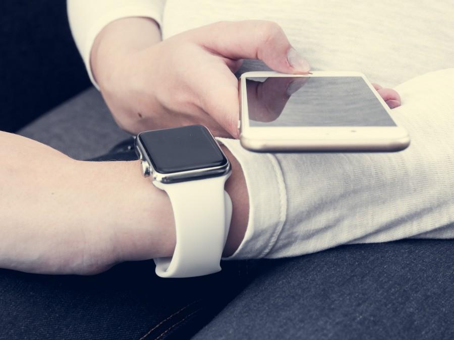 Smartwatch, conexion, conectividad, internet, hombre, elegante, moderno, telefono, celular, smartphone, reloj, inteligente,