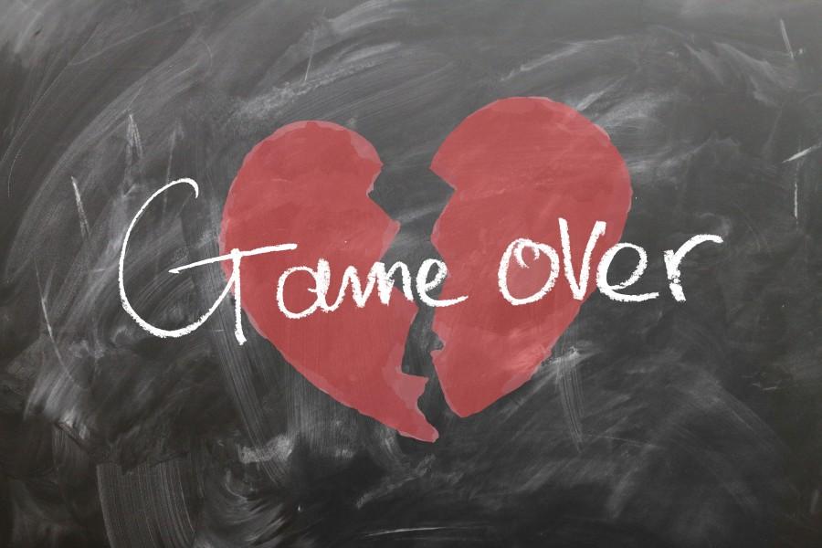 tablero, corazón, jugar, sobre, amor, apagado, final, separación, despedida, roto, fuente , corazón roto, juego terminado, game over, pizarrón, tizas, desamor
