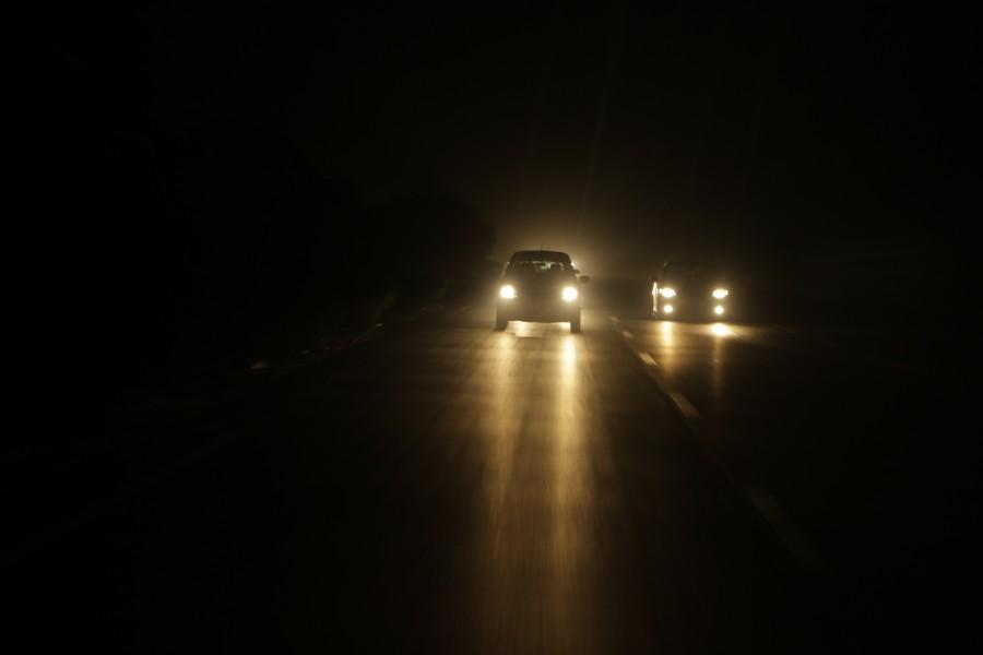 coche, noche, carretera, luz, luces, iluminado, ruta, autopista, nocturno, viaje, viajar, auto, carro,
