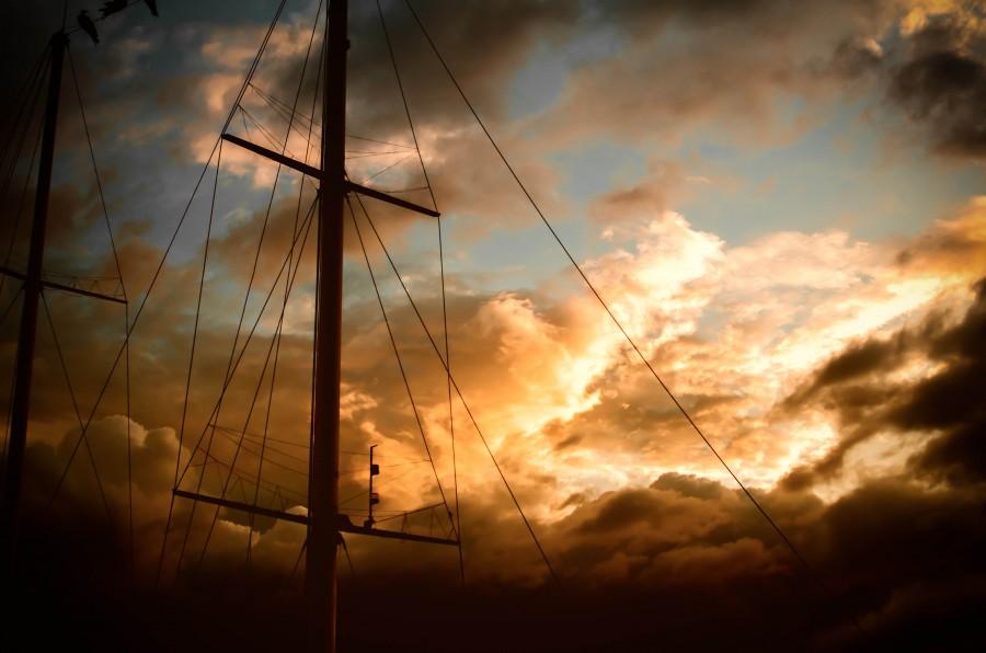 velero, barco, vela, palo, cielo, atardecer, idilico, nadie, navegar, navegacion, mar, transporte, madera,