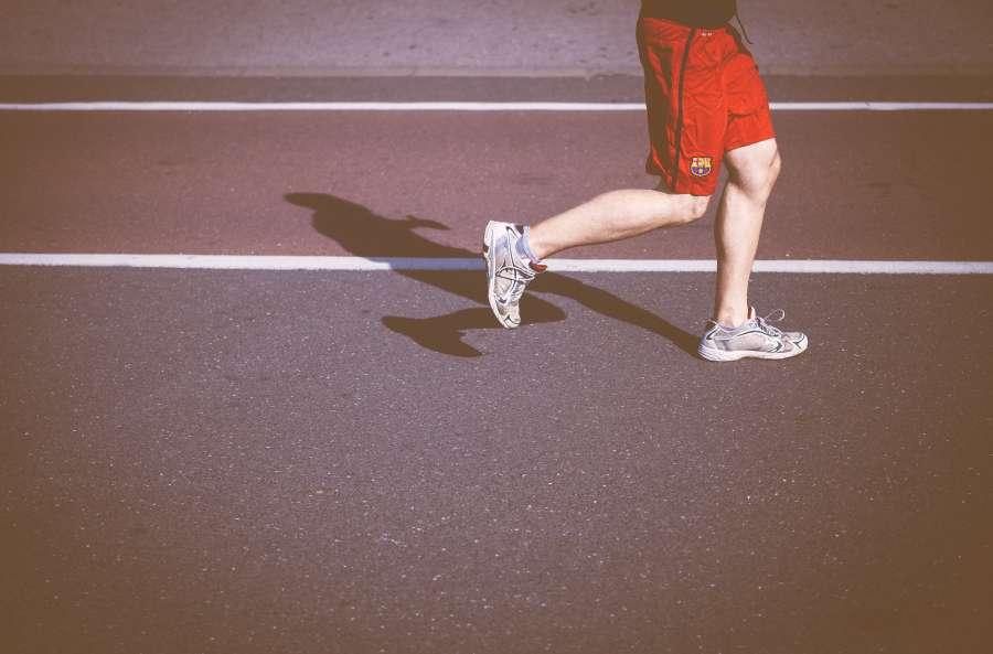 hombre, joven, activo, actividad, running, correr, corriendo, exterior, calle, asfalto, maraton, deporte, barcelona,