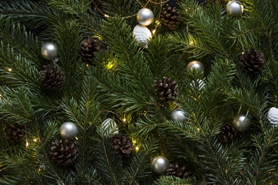 arbol, navidad, decoracion, adorno, bola, plateado, fondo, background, pino, navideño, celebración, festejo,