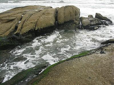 playa,costa,mar,roca,rocas,piedra,piedras,espuma,r