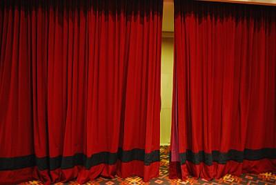 imágenes gratis teatro,interior,telon,rojo,vista de frente,nadie,v