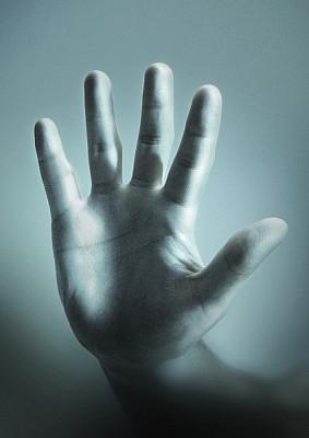 mano,gesto,vista de frente,parar,frenar,freno,stop