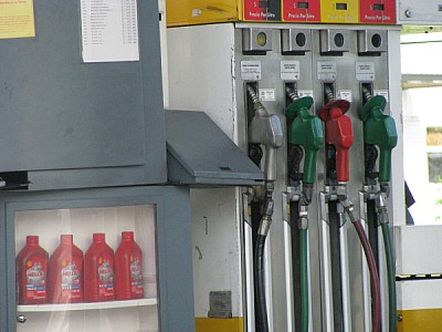estacion de servicio,gasolinera,gasolina,nafta,naf