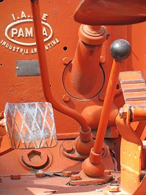 imágenes gratis tractor,maquina,maquinaria,interior,naranja,color,
