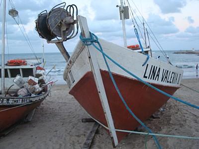 imágenes gratis bote,lancha,pesca,pesquero,dia,exterior,playa,urug