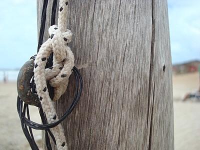 imágenes gratis poste,madera,vista de frente,soga,sogas,viejo,anti