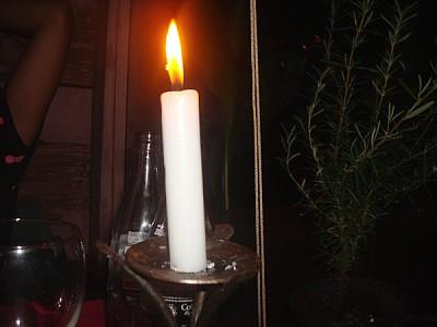 imágenes gratis noche,exterior,restaurant,vela,velas,luz,alumbrar,