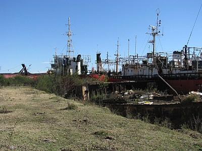 prod06,barco,hierro,oxido,abandono,astillero,nadie