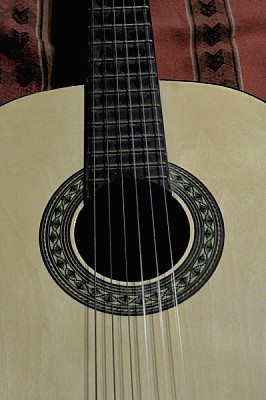 imágenes gratis ,guitarra,instrumento,musica,musical,criolla,nadie