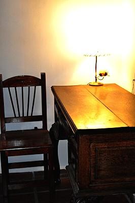 imágenes gratis ,escritorio,luz,luces,primer plano,madera,vista de